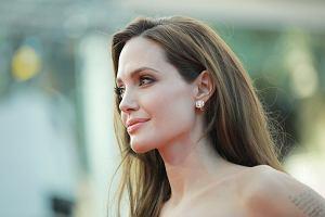 """Dzieci Angeliny Jolie miały operację. """"Patrzyłam, jak poszła pod nóż"""""""