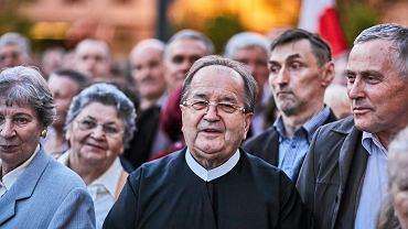 Tadeusz Rydzyk na odsłonięciu pomnika smoleńskiego w Łodzi, maj 2017