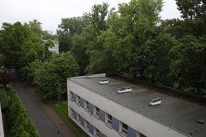 SGGW sprzedała deweloperowi parcelę przy chronionym parku. Stanie tam apartamentowiec?