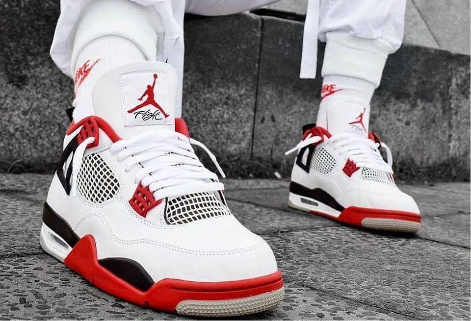 Te Buty Powstaly Przy Wspolpracy Marki Nike I Najpopularniejszego Zawodnika Nba Trwa Wyprzedaz Sneakersow Jordan Sport