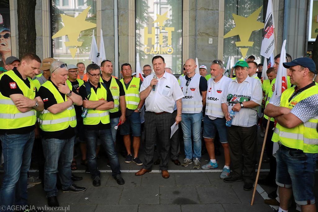 11.06.2019 Warszawa, Ministerstwo Energetyki. Protest górników ws. odwołania prezesa Jastrzębskiej Spółki Węglowej.