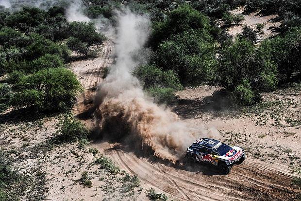 Carlos Sainz znów wygrał Rajd Dakar! Etapowe zwycięstwo Polaka. Sonik na podium