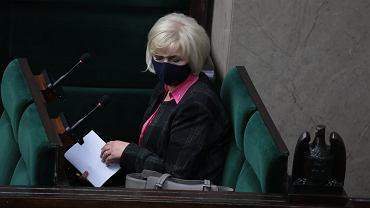 Kandydatka na urząd Rzecznika Praw Obywatelskich senator Lidia Staroń podczas głosowania nad powołaniem RPO. Warszawa, 15 czerwca 2021