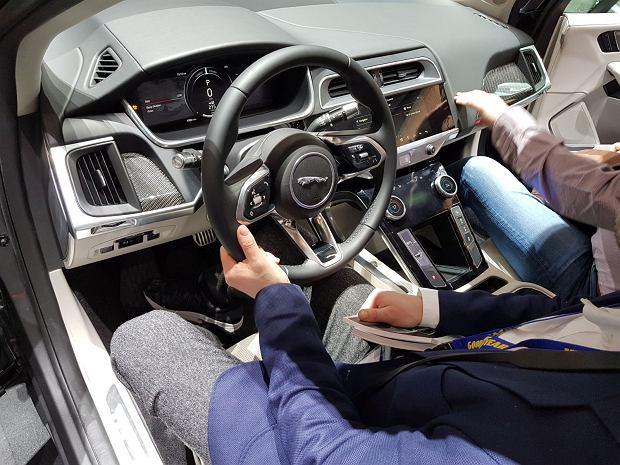 Stoisko Jaguara w Genewie 2018