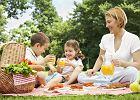 Co zabrać na piknik i biwak z dziećmi? Te akcesoria na pewno się przydadzą