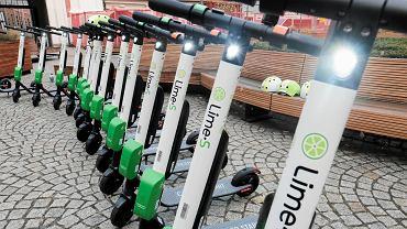 Elektryczne hulajnogi firmy Lime