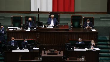 Sejm odrzucił poprawkę opozycji dotyczącą ustawy okołobudżetowej