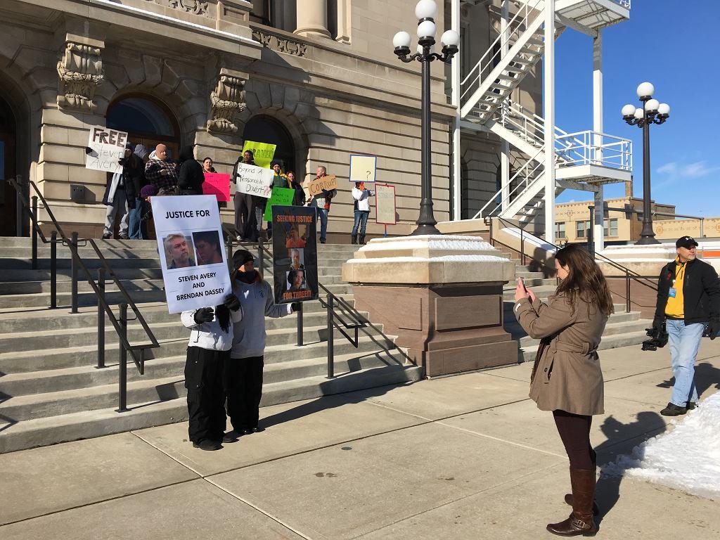 Procesom Stevena i Brendana towarzyszyły liczne protesty osób, które wierzyły w ich niewinność