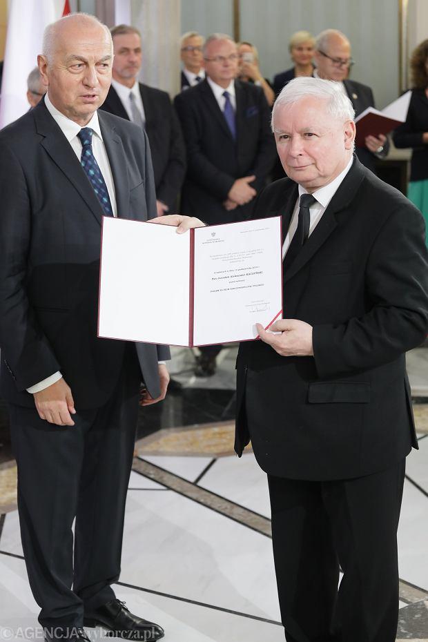 Zaświadczenia  dla posłów IX Kadencji w Sejmie