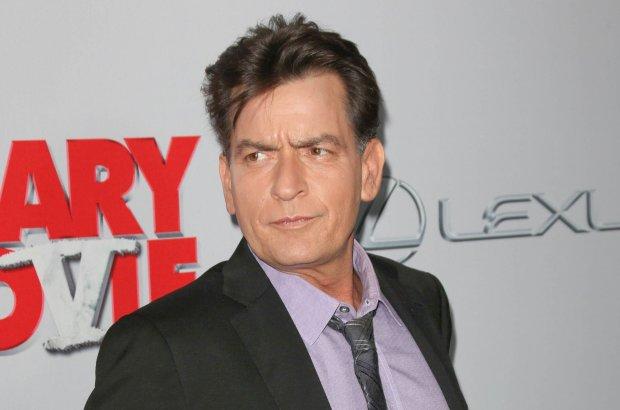 704/11/2013 - Charlie Sheen - Scary Movie V