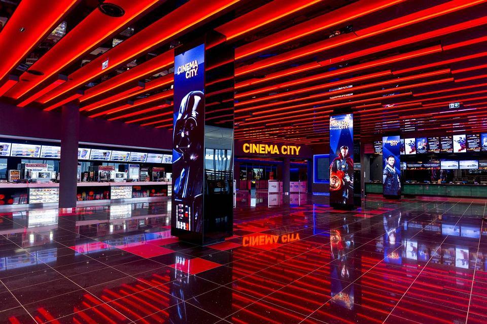 67b8d3c0f1cc13 Kina w galeriach handlowych będą czynne w niedziele z zakazem handlu ...