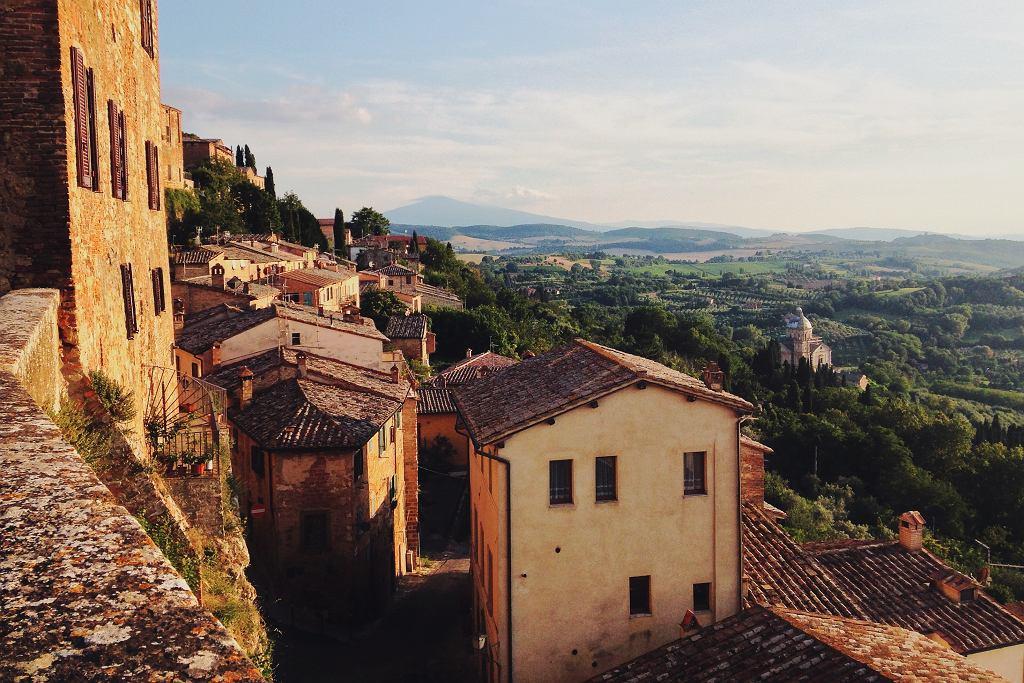 Włoskie domy (zdjęcie ilustracyjne)