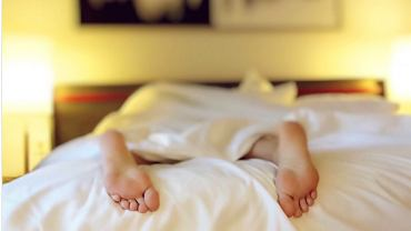 Czy zdrowiej jest spać nago?