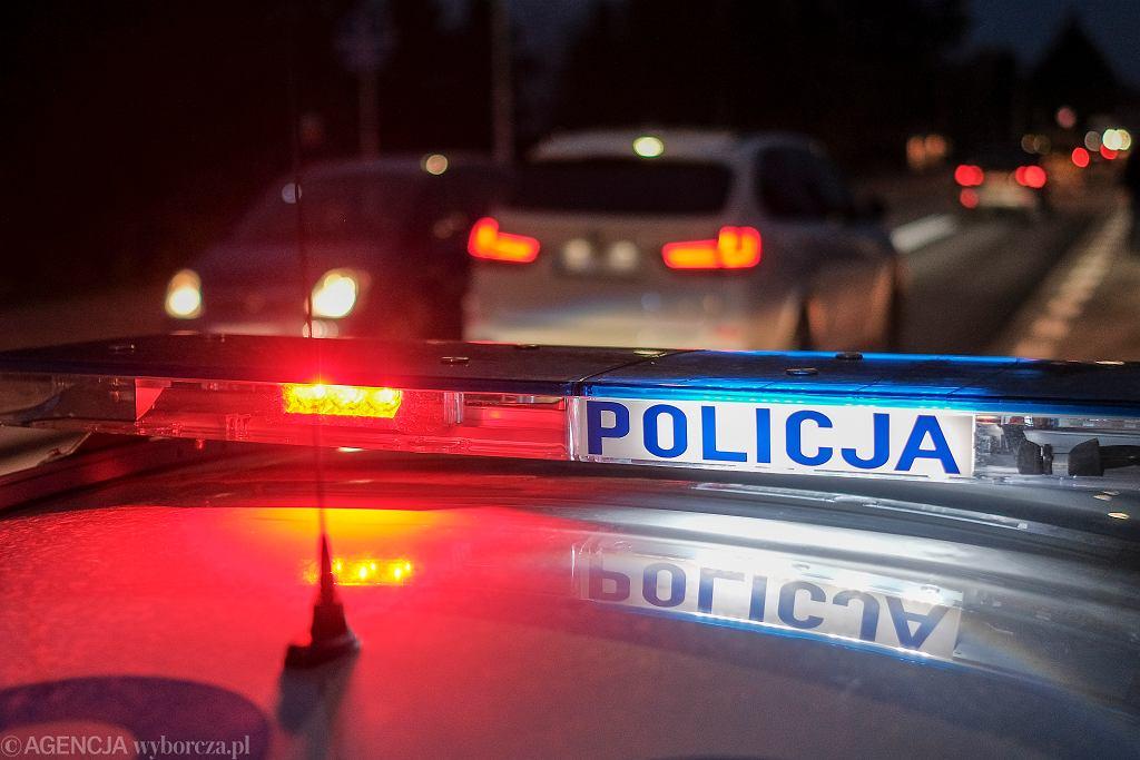Rzeszowska drogówka ścigała pijanego kierowcę. 31-latek porzucił samochód i uciekał pieszo (zdjęcie ilustracyjne)