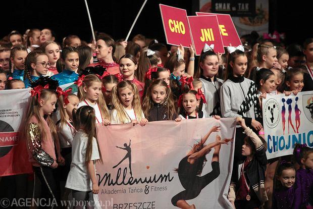 Zdjęcie numer 2 w galerii - Cheerleaderki rywalizują w Kielcach. Bo taniec nie jedną ma twarz [ZDJĘCIA]