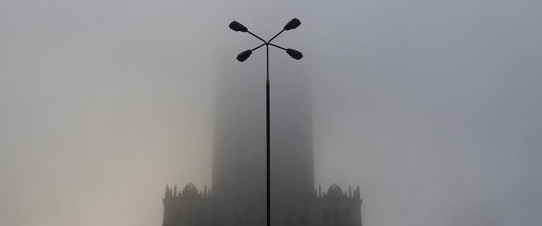 Warszawa dusi się w smogu. Normy przekroczone o ponad 300 procent, bardzo słaba widoczność