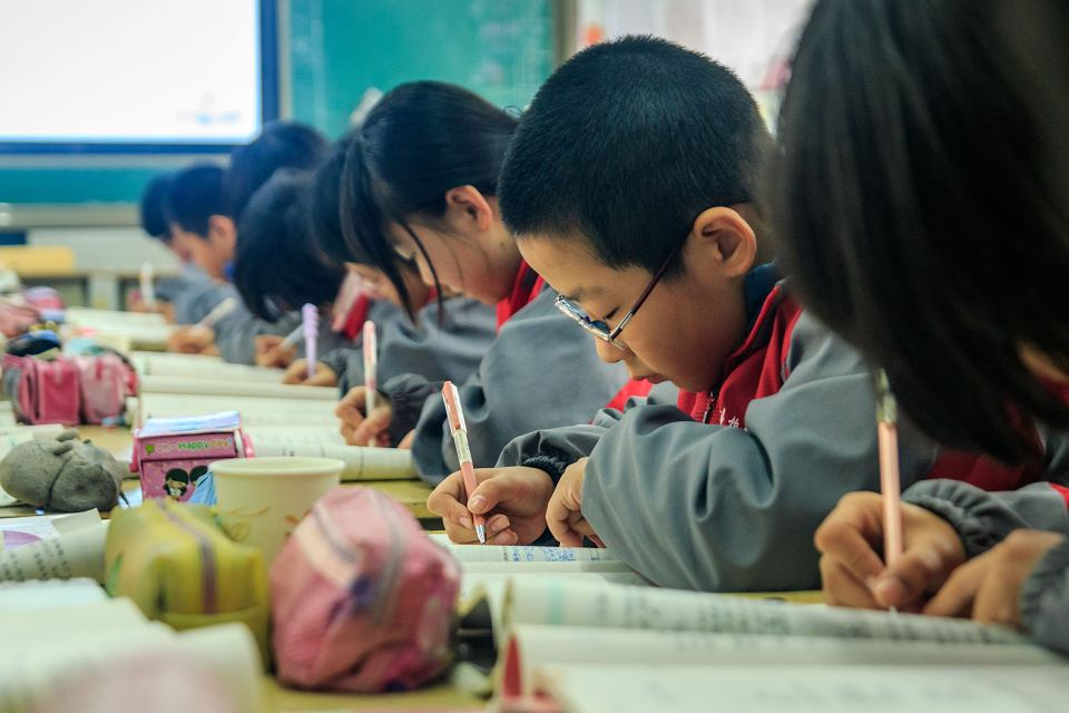 W Chinach dzieci w szkole często przebywają od 6.00 rano do 18.00