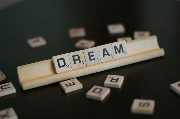 Świadomy sen. Czy to w ogóle możliwe?