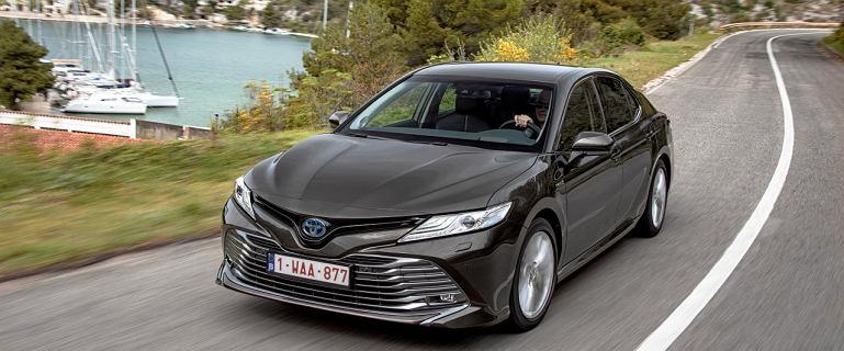 Prestiżowy japoński sedan powraca! Za ile można kupić Toyotę Camry?