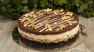 Ciasto Snickers na Wielkanoc - jak je przygotować? Zdjęcie ilustracyjne