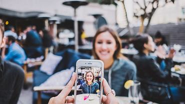 Smartfony towarzyszą nam coraz częściej