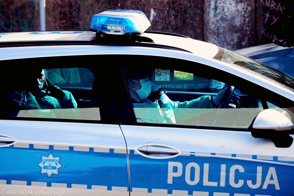 Policja podjęła decyzję o ukaraniu klientów A4 na podstawie materiałów przesłanych w anonimie.