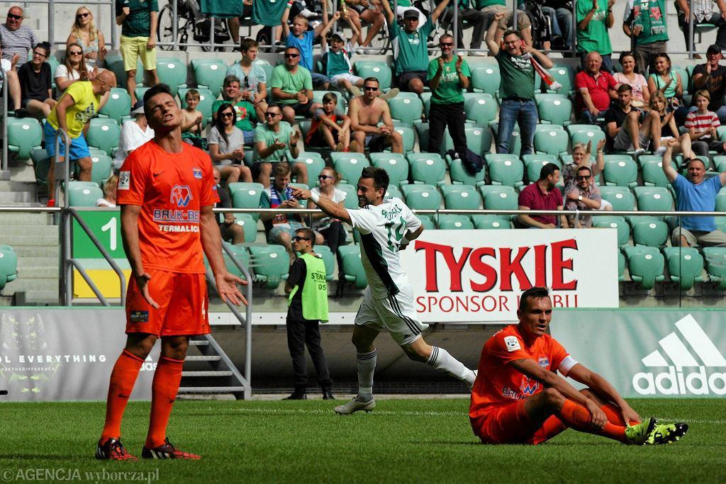 Śląsk Wrocław - Termalica Bruk-Bet Nieciecza 2:0. Kamil Biliński cieszy się ze strzelonej bramki
