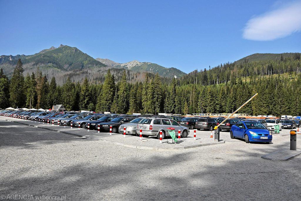 Palenica Białczańska. Parking dla samochodów