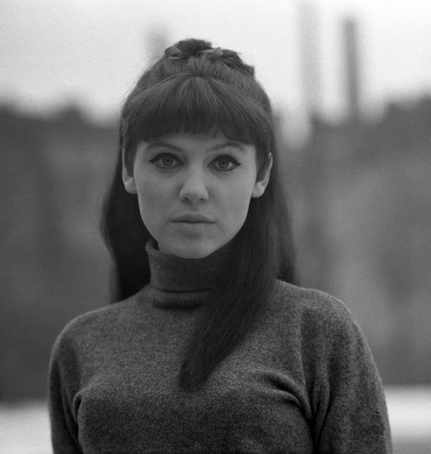 TFot. Marek Karewicz / East NewsHalina Frackowiak jako wokalistka Drumlersow, 1968.