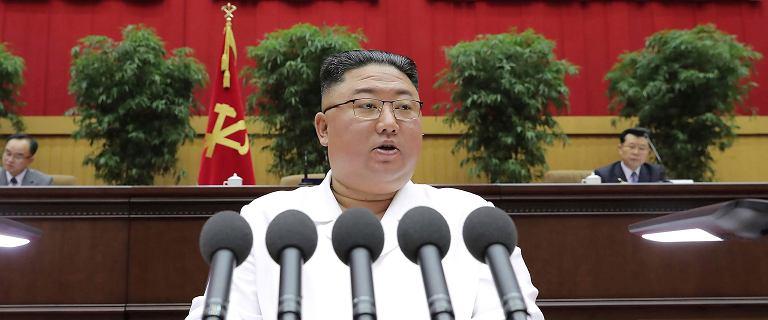 Kim Dzong Un przyznał, że obywateli czekają ciężkie czasy