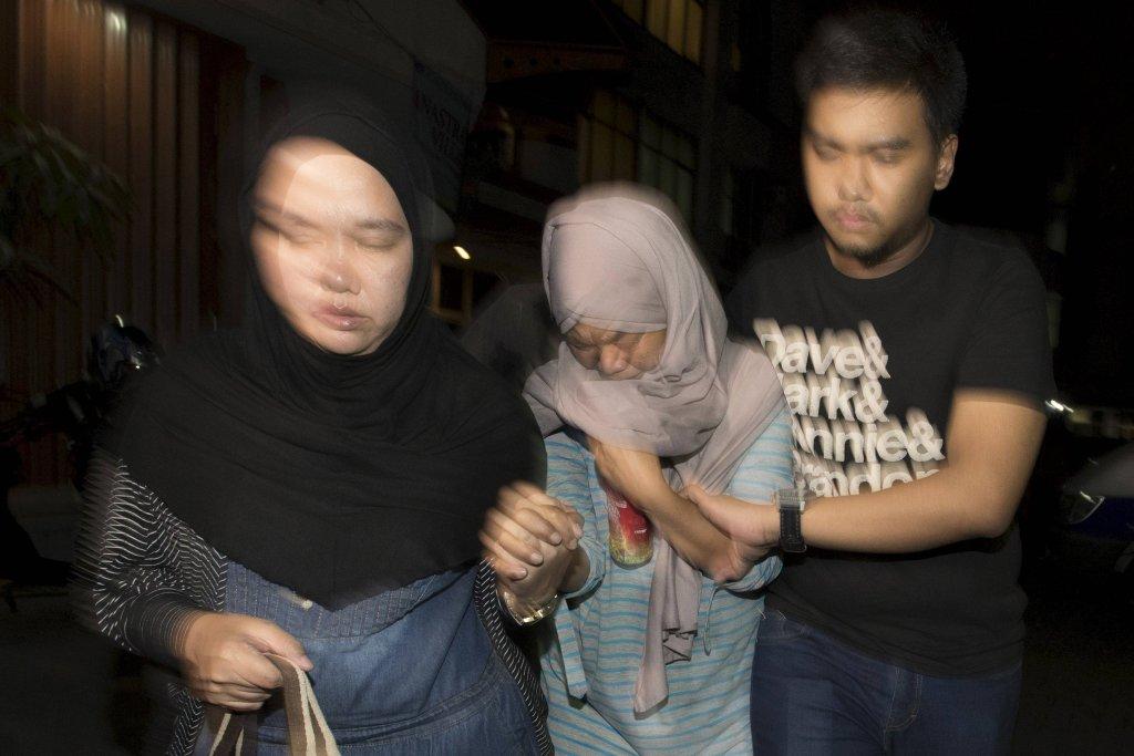 Rodziny ofiar katastrofy indonezyjskiego samolotu czekają na wiadomości o swoich bliskich