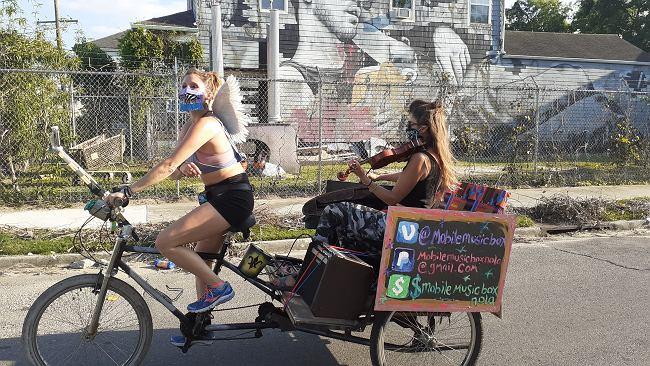 Polska skrzypaczka objeżdża Nowy Orlean, grając dla zbolałego miasta