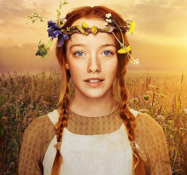 Ania z serialu Netflixa (Amybeth McNulty) nie jest radosnym promykiem słońca. Buzia jej się nie zamyka, ale jest też w niej determinacja osoby, która wie, że jeśli sama się nie obroni, to ją zadepczą