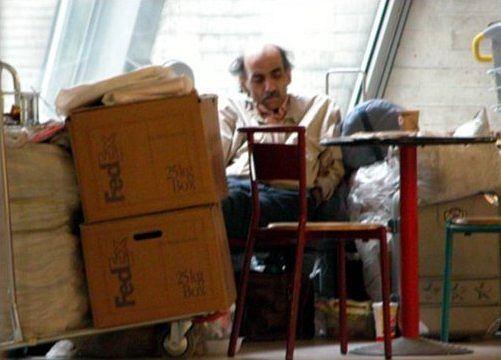 Mehran Karimi Nasseri koczujący na lotnisku