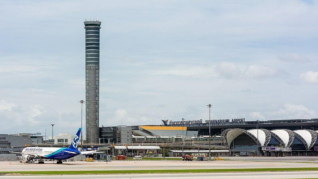 Lotnisko Suvarnabhumi w Bangkoku