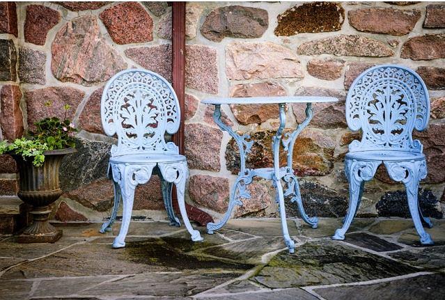Metalowe krzesła ogrodowe