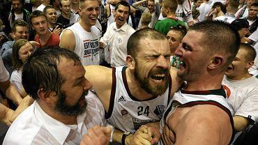 Radość koszykarzy Legii po awansie do pierwszej ligi