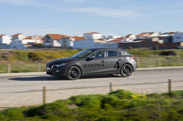 Mazda3 z prototypowym silnikiem Skyactive-X