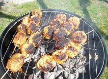 Szaszłyki z kulek mięsnych - ugotuj