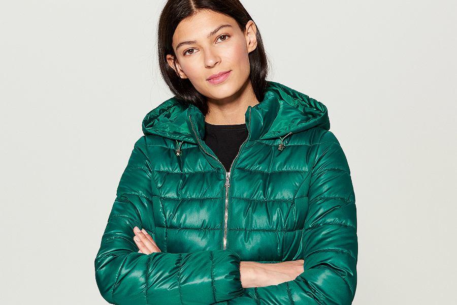 Ciepłe kurtki puchowe na zimę. Nawet za mniej niż 150 złotych!