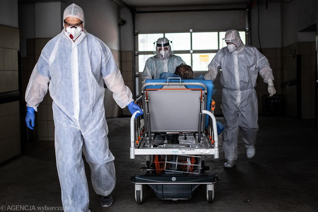 Pandemia koronawirusa. Medycy na SOR-ze. Samodzielny Publiczny Szpital Kliniczny Nr. 4, Lublin, 9 czerwca 2020