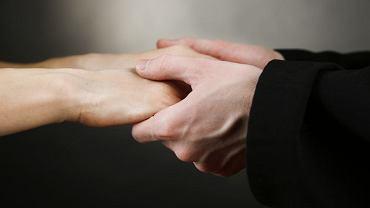 W Polsce trwa spór, czy apostazji można dokonać drogą listowną