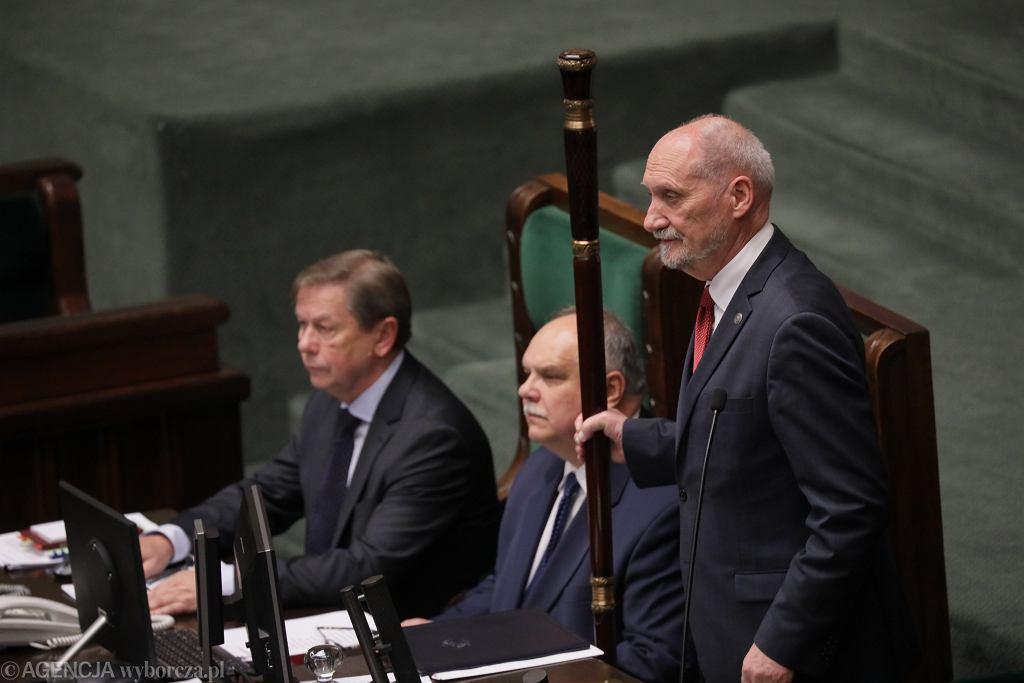 Antoni Macierewicz, 1. posiedzenie Sejmu IX kadencji