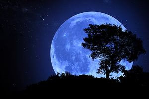 Niebieski Księżyc na niebie już w ten weekend. Co oznacza niebieski Księżyc?