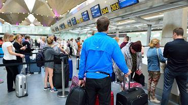 Zaszczepieni turyści nie przywożą z wakacji COVID-19. Wyniki badań