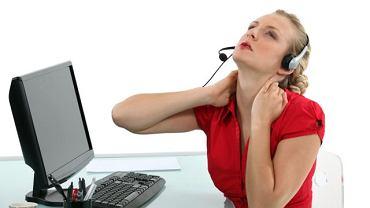 Przy rozpoznaniu przyczyny bólu szyi spore znaczenie ma fakt, czy ograniczona jest jej ruchomość. Zwykle u osób ze zmianami zwyrodnieniowymi nawet pochylenie głowy może sprawiać trudność