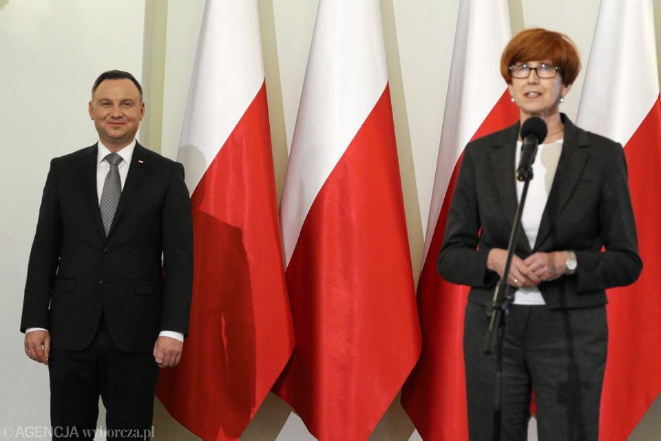 Prezydent Andrzej Duda i minister rodziny Elżbieta Rafalska