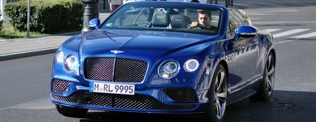 Robert Lewandowski i Bentley Continental
