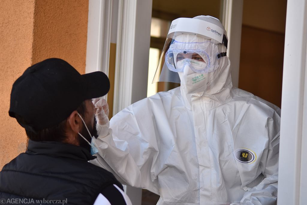 Pomoc dla Słowacji. Polska przyjęła pierwszego chorego na koronawirusa