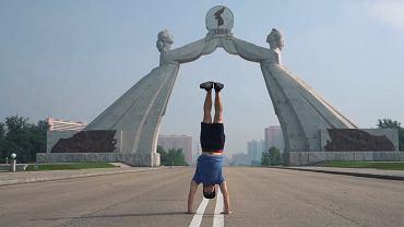 Kadr z wideobloga FunForLouis - wyjazd do Korei Północnej